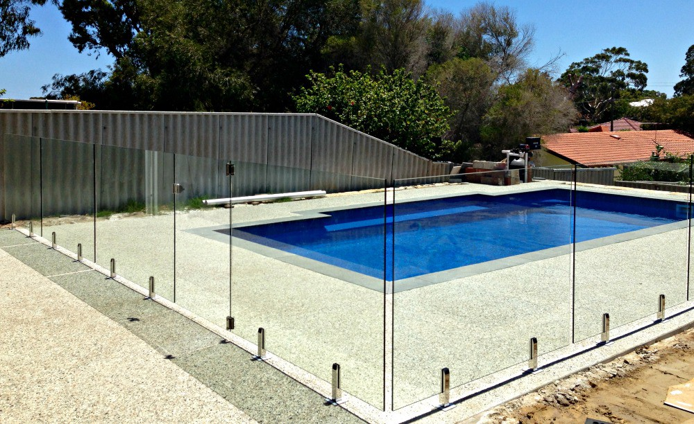 4 Things To Check While Choosing Fences For Glass Pool Fencing By Wbr City Fencing Medium