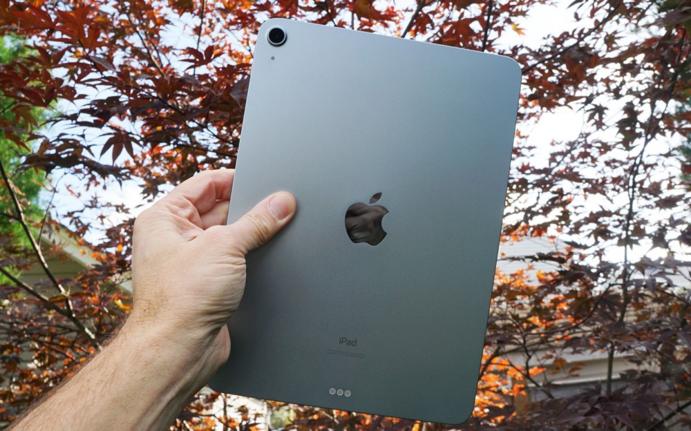 Apple Ipad Air Is An Excellent Do Everything Tablet By Lance Ulanoff The Startup Medium