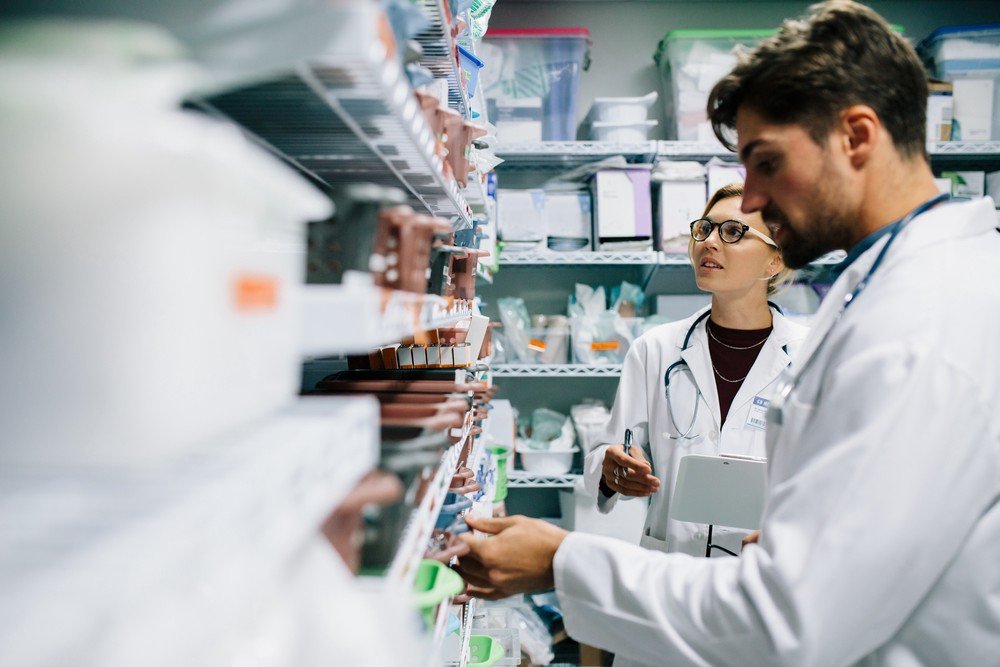 How Blockchain Is Simplifying Pharmaceutical Track And Trace