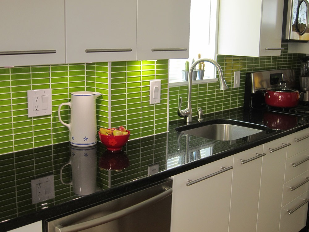 Use Color Tiles For Your Kitchen Tile Designs And Attach The ...