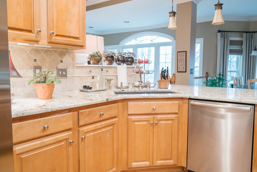 Professional Kitchen Cabinet Refacing Services That Are Completely