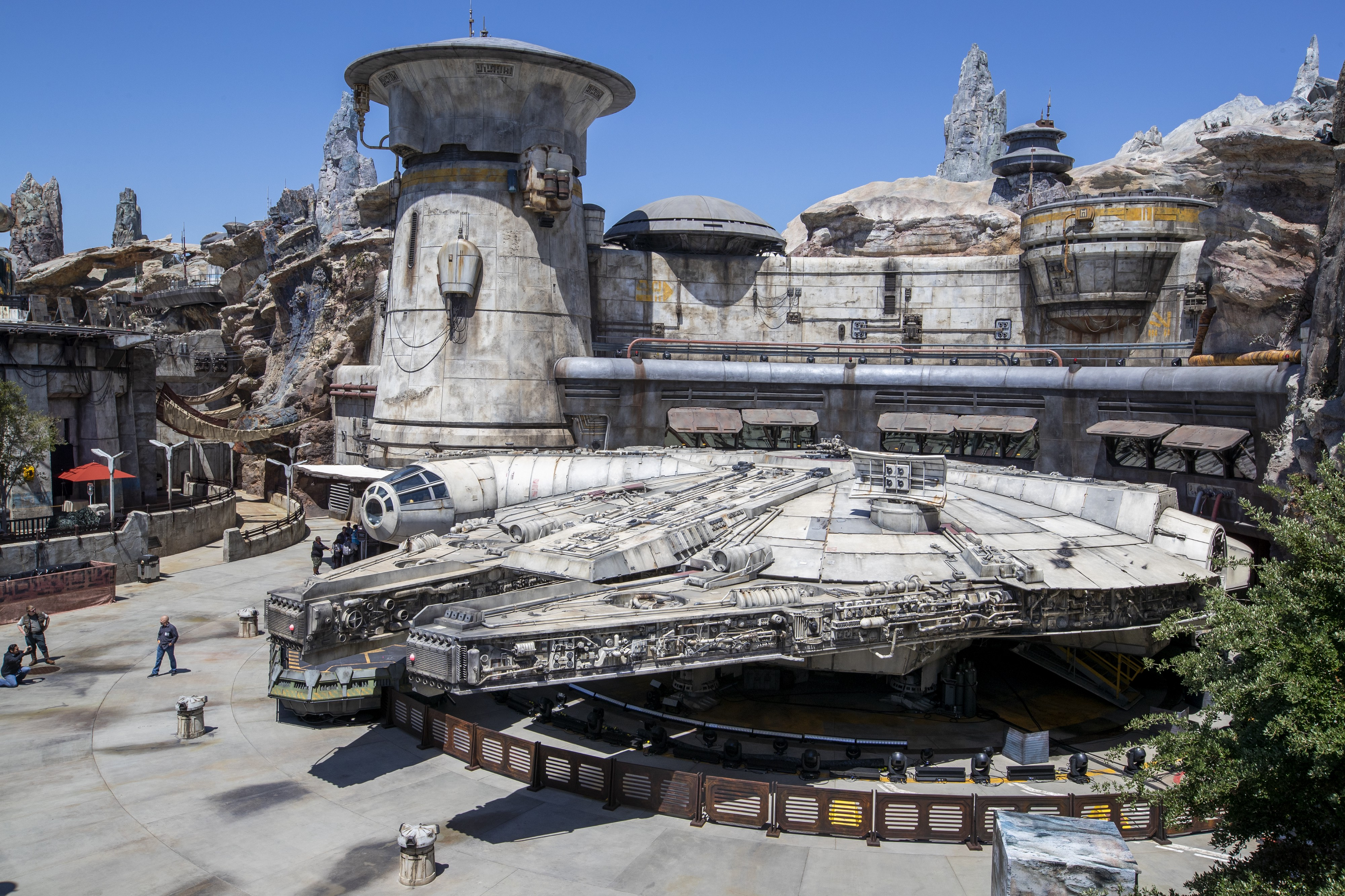 The Star Wars Disney Theme Park Is a Little Too Authentic | by Rob Bricken  | OneZero