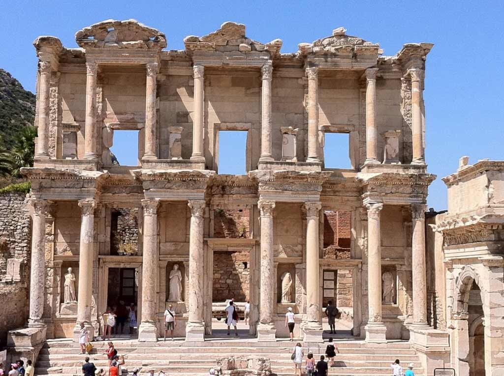 Information About Ephesus Antique City Where Its Architecture And History By Being A Tourist In Turkey Medium