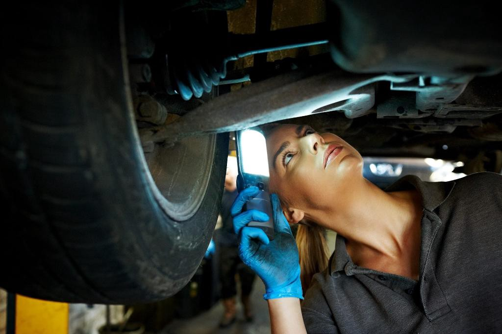 Useful Tips To Save Money On Your Car Transmission Repair Services   by  Transmissions Reis   Medium