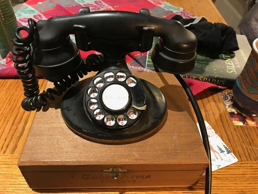 """Rotary Telephone and Bluetooth Used in """"Mad"""" Christmas"""