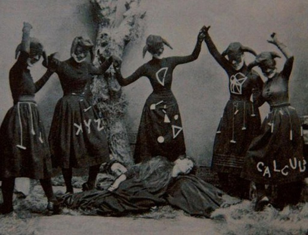 10 Ways to Celebrate Witches' Night This Weekend - Pam