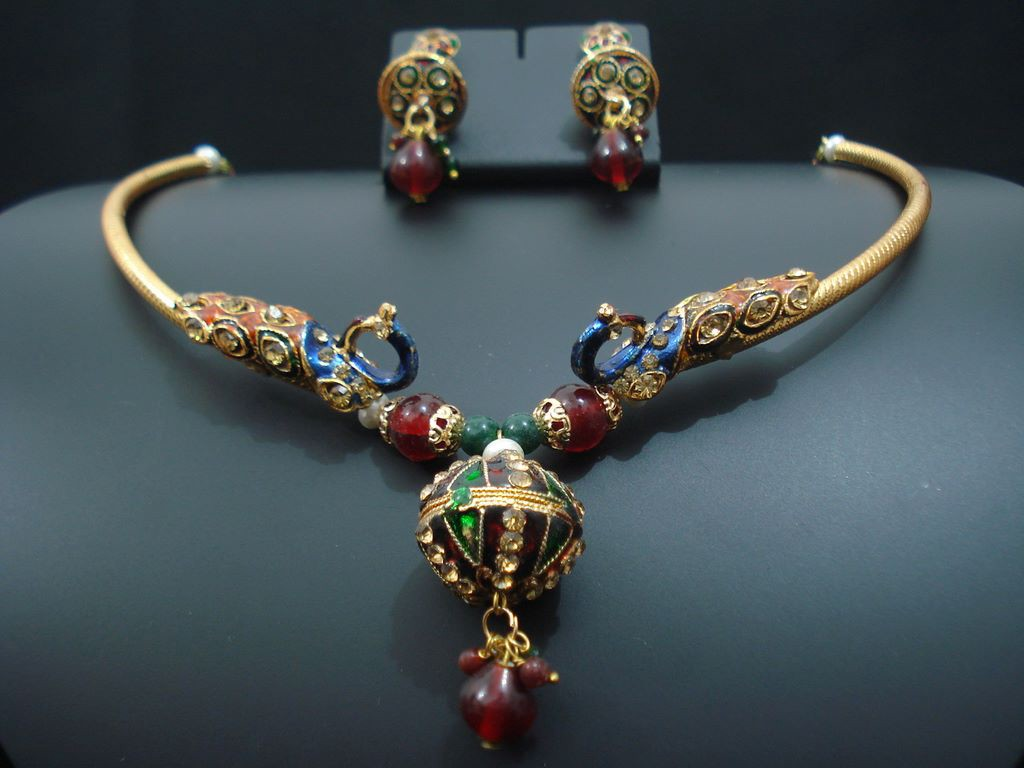 Tips for selling artificial jewelry online