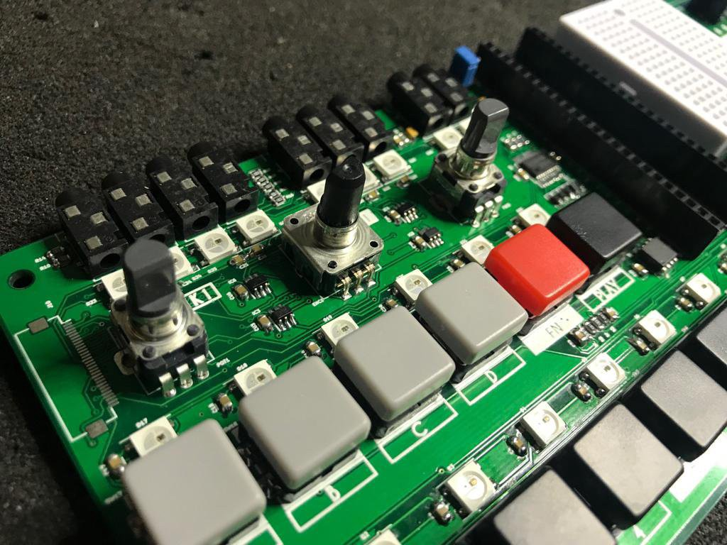 Shapeshifter Is a DIY Expandable Drum Machine Powered by Teensy