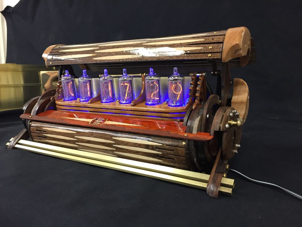 This Nixie Tube Clock Is a Well-Lacquered Example of Great