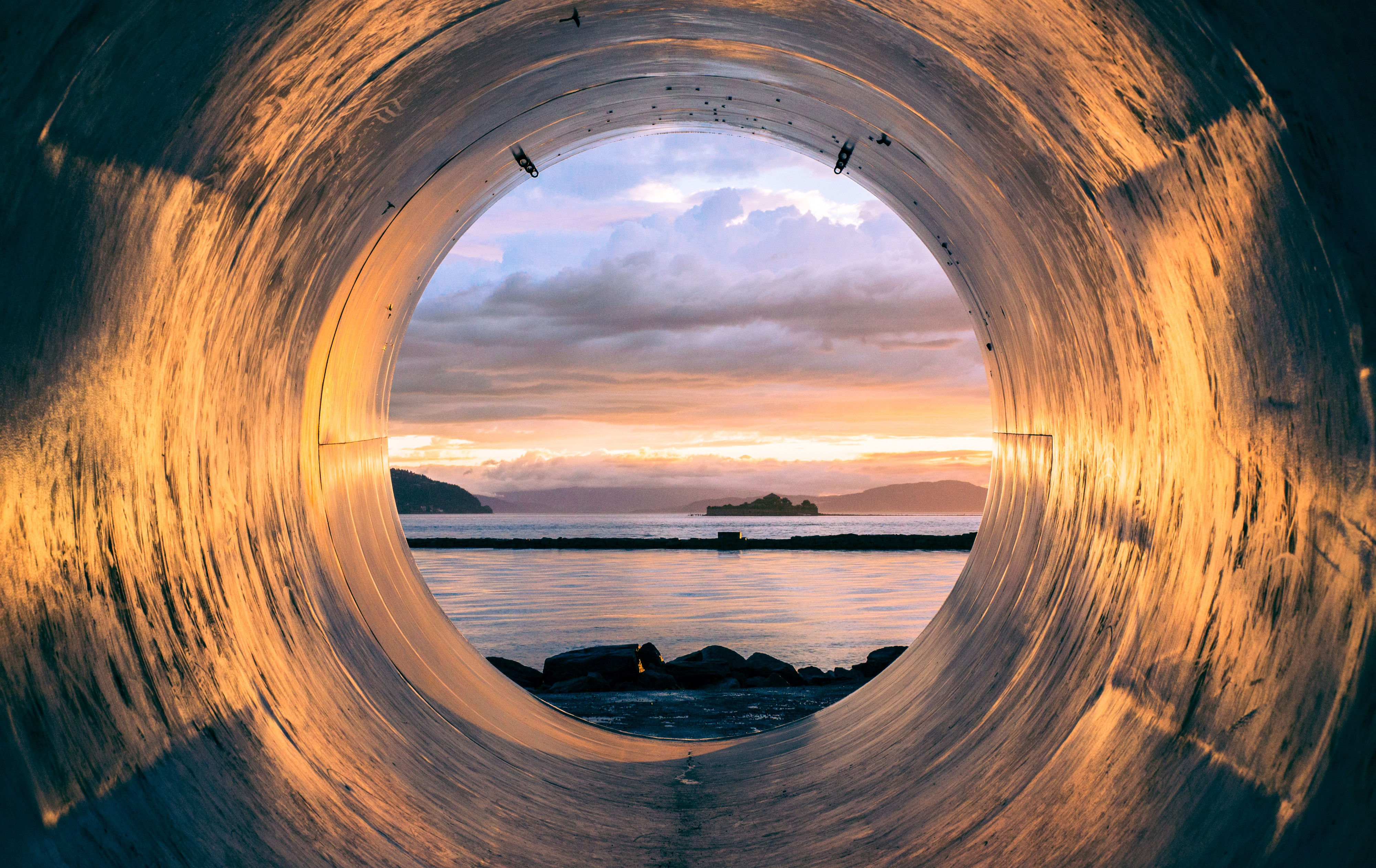 Teaching Tunnel in the Sky