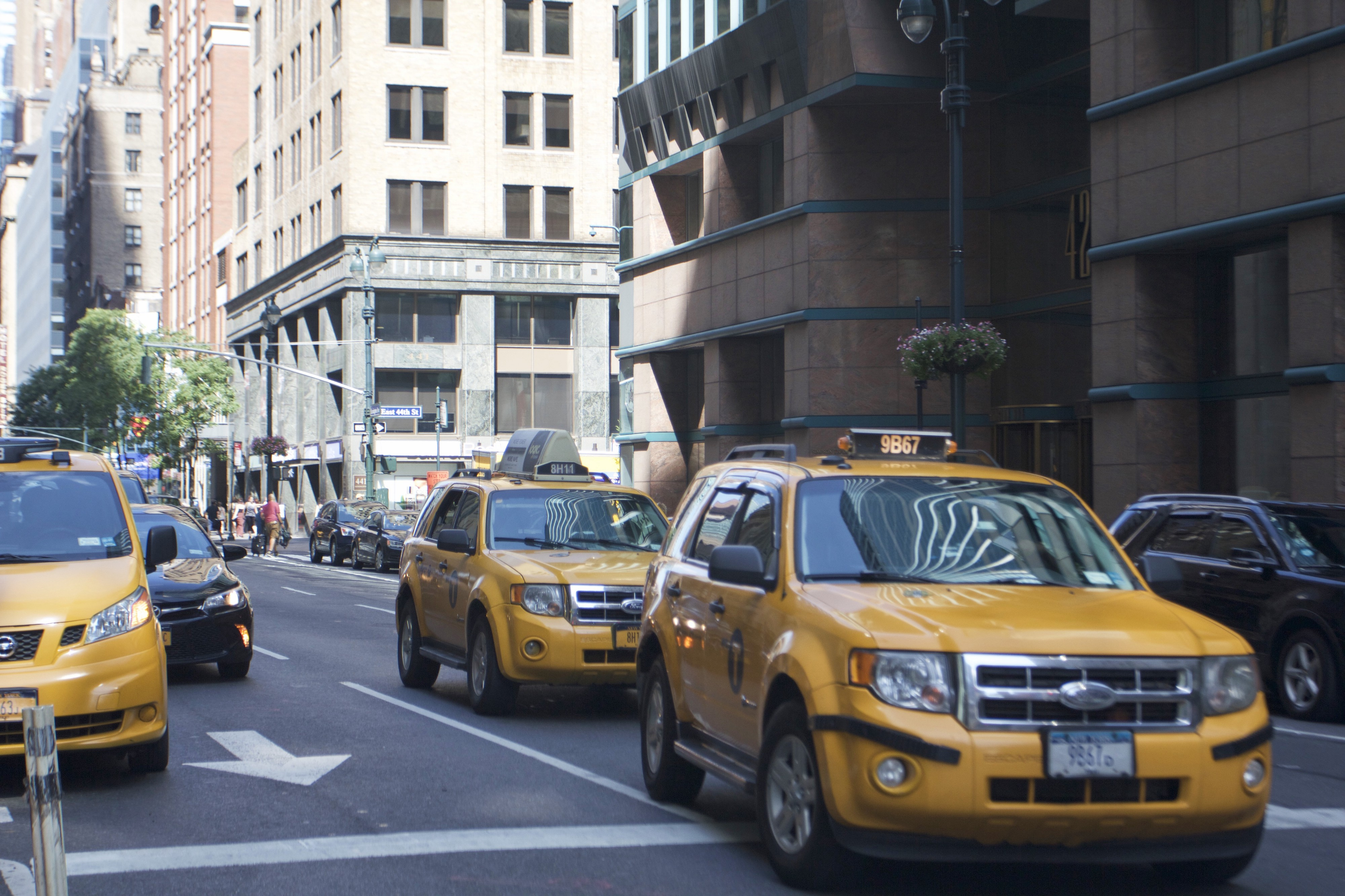 New bill takes first steps in raising taxi medallion prices