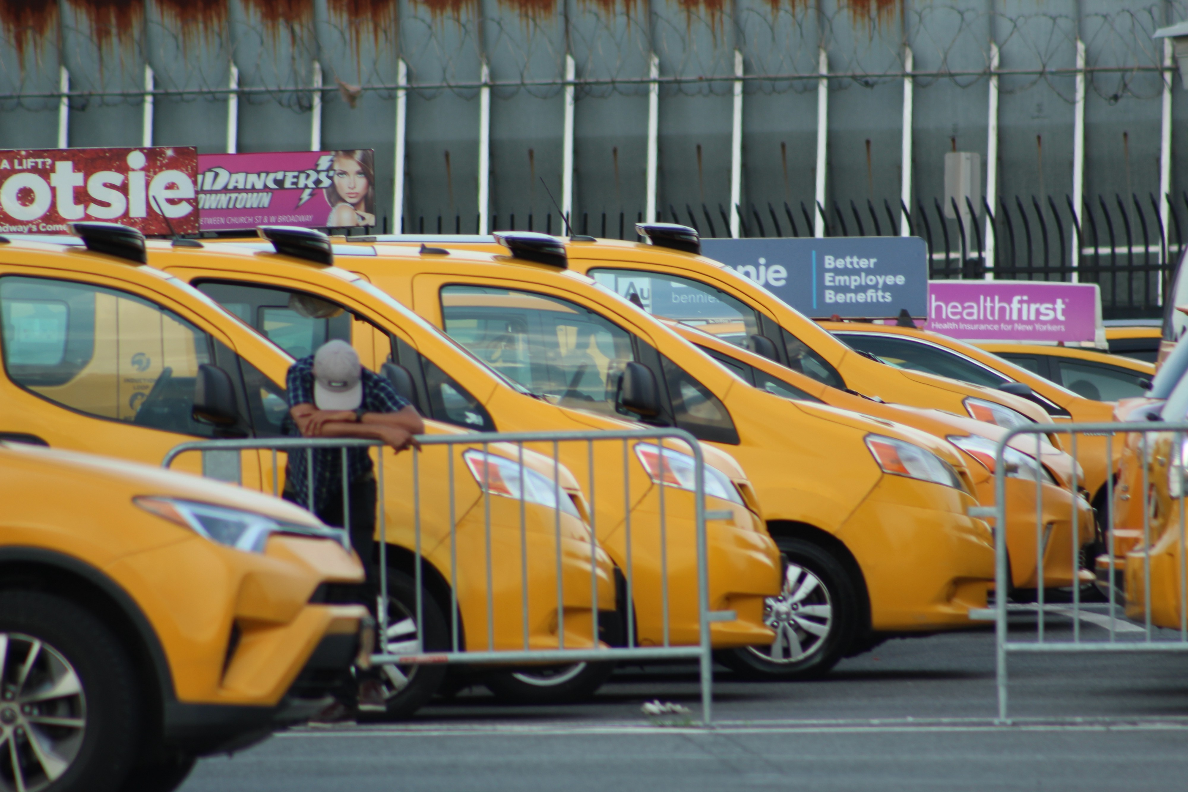 Rivals on the Road, Uber and Cab Drivers Share a Lot of