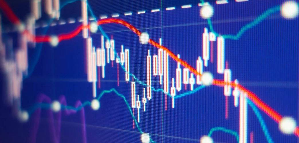 Combining the SuperTrend Indicator With Moving Averages in a Trading  Strategy. | by Sofien Kaabar | DataDrivenInvestor
