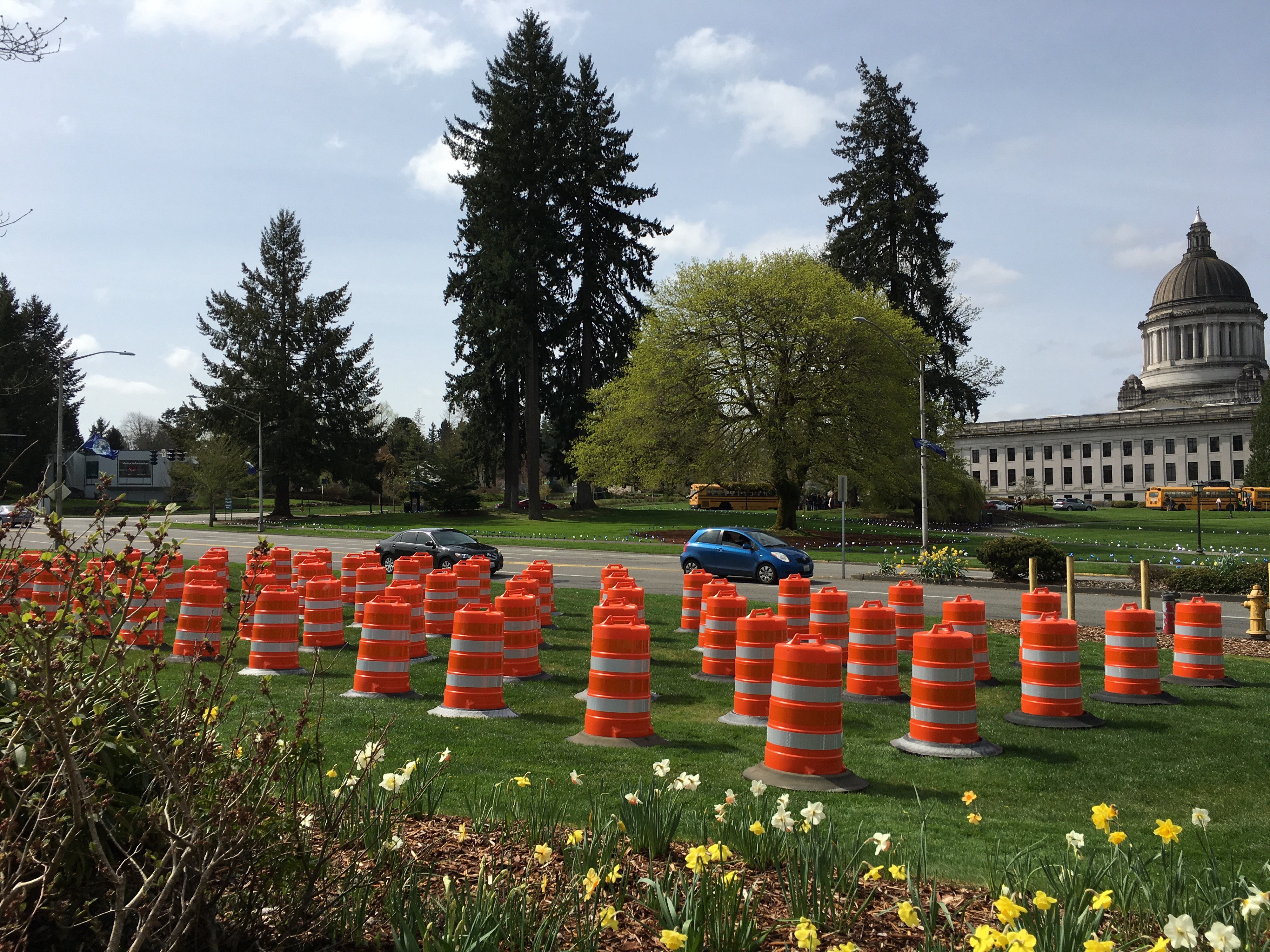 Memorial reminds motorists of work zone safety - Washington