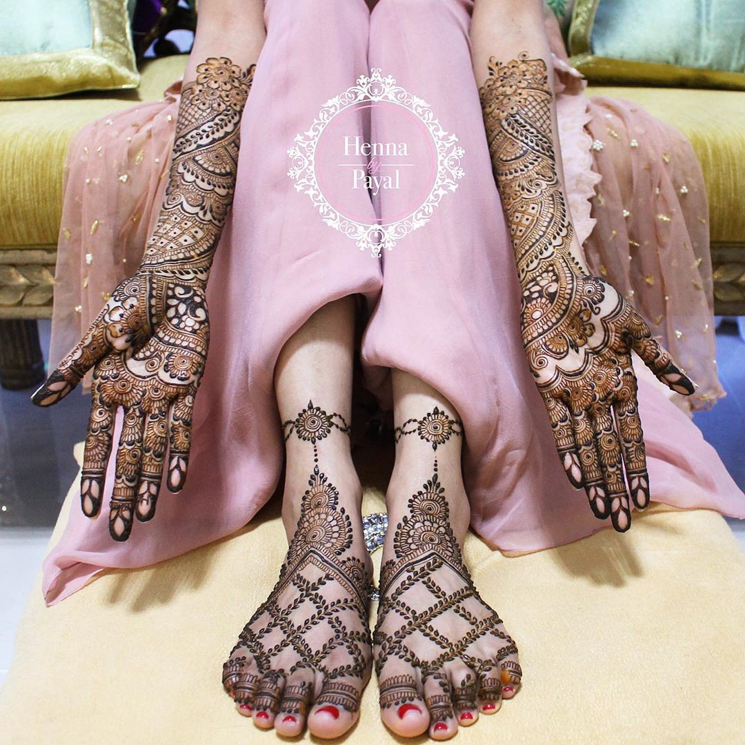 30+ Inspiration worthy Bridal Foot Mehndi Designs for 2019