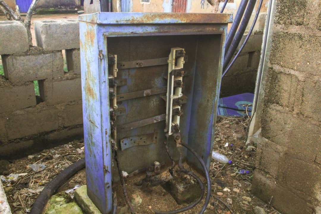 Non functional Electric Transformer
