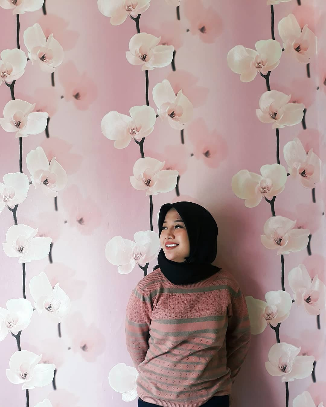 Toko Jual Wallpaper Dinding Line — Java Wallpaper