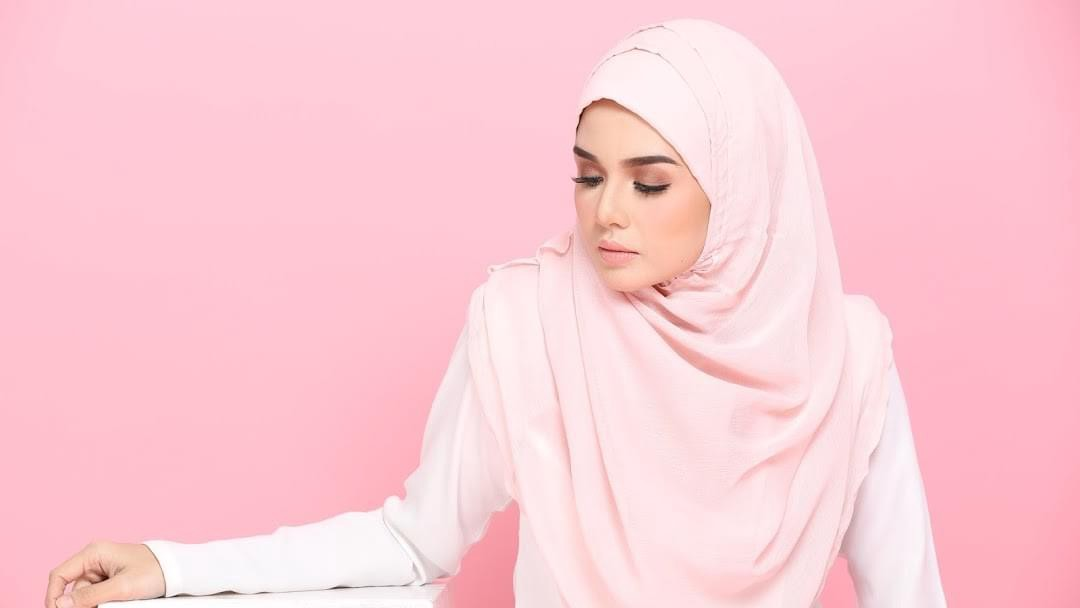 Want to Buy a Perfect Hijab? Read This | by Bokitta | Medium