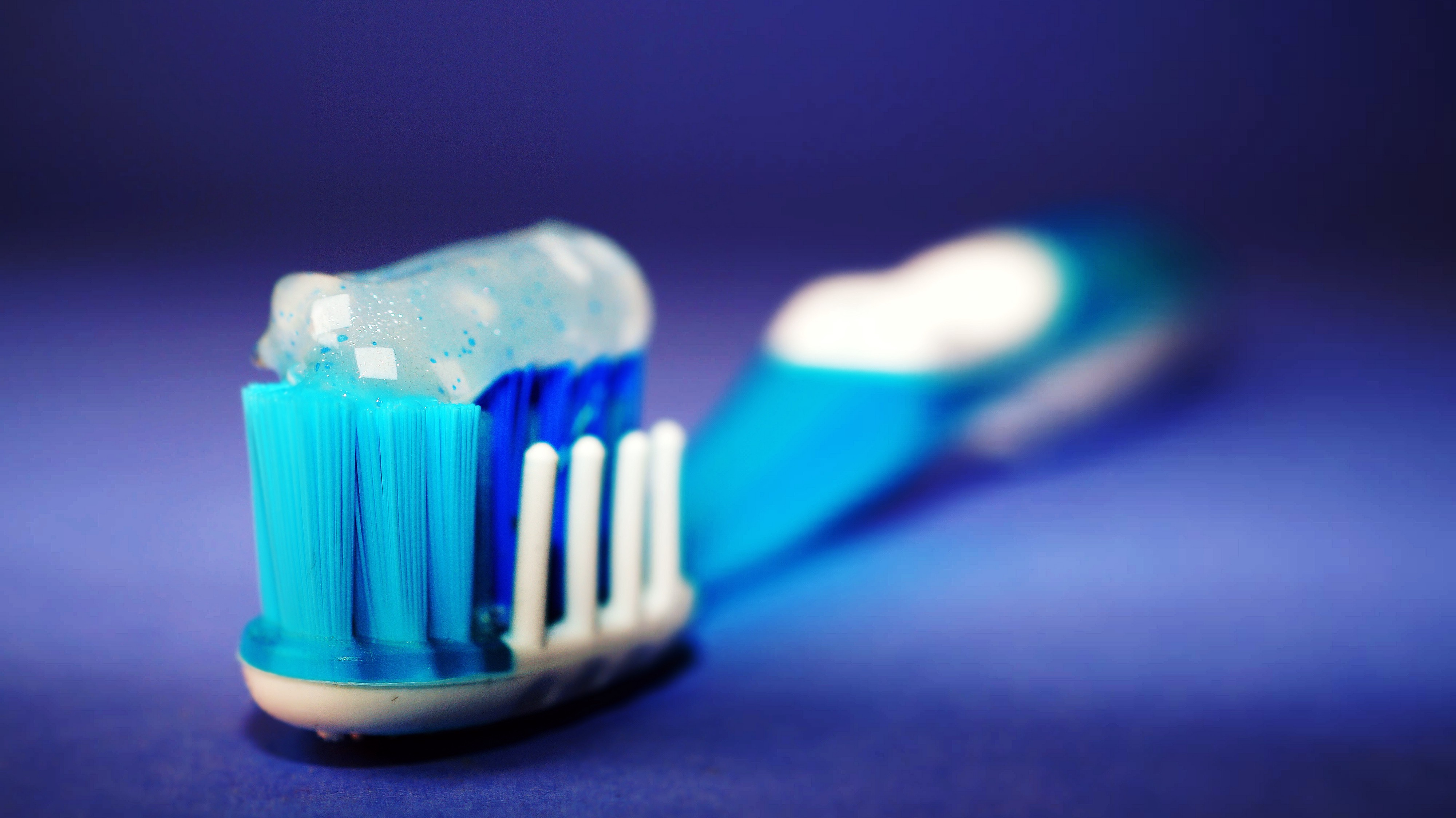 Top 3 Toothbrushes for Receding Gums - Forever Young - Medium