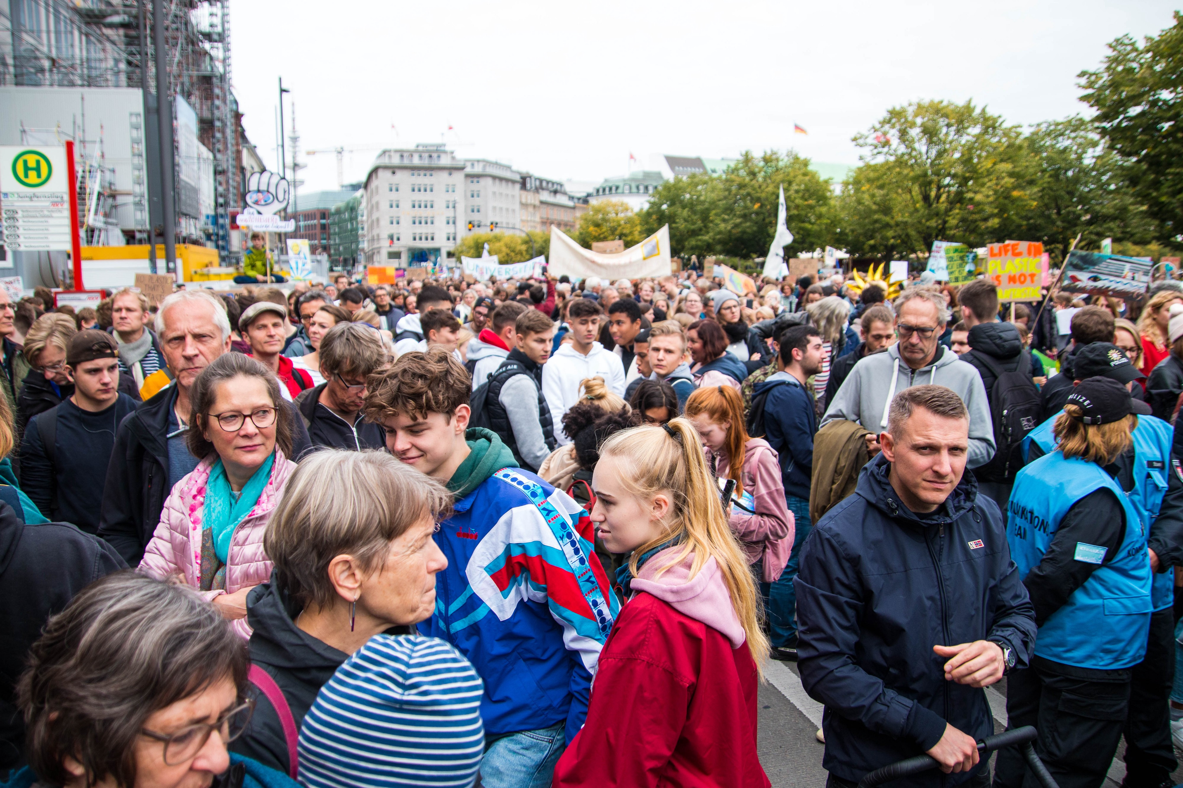 Crowd at the global climate strike in Hamburg, 20 September 2019