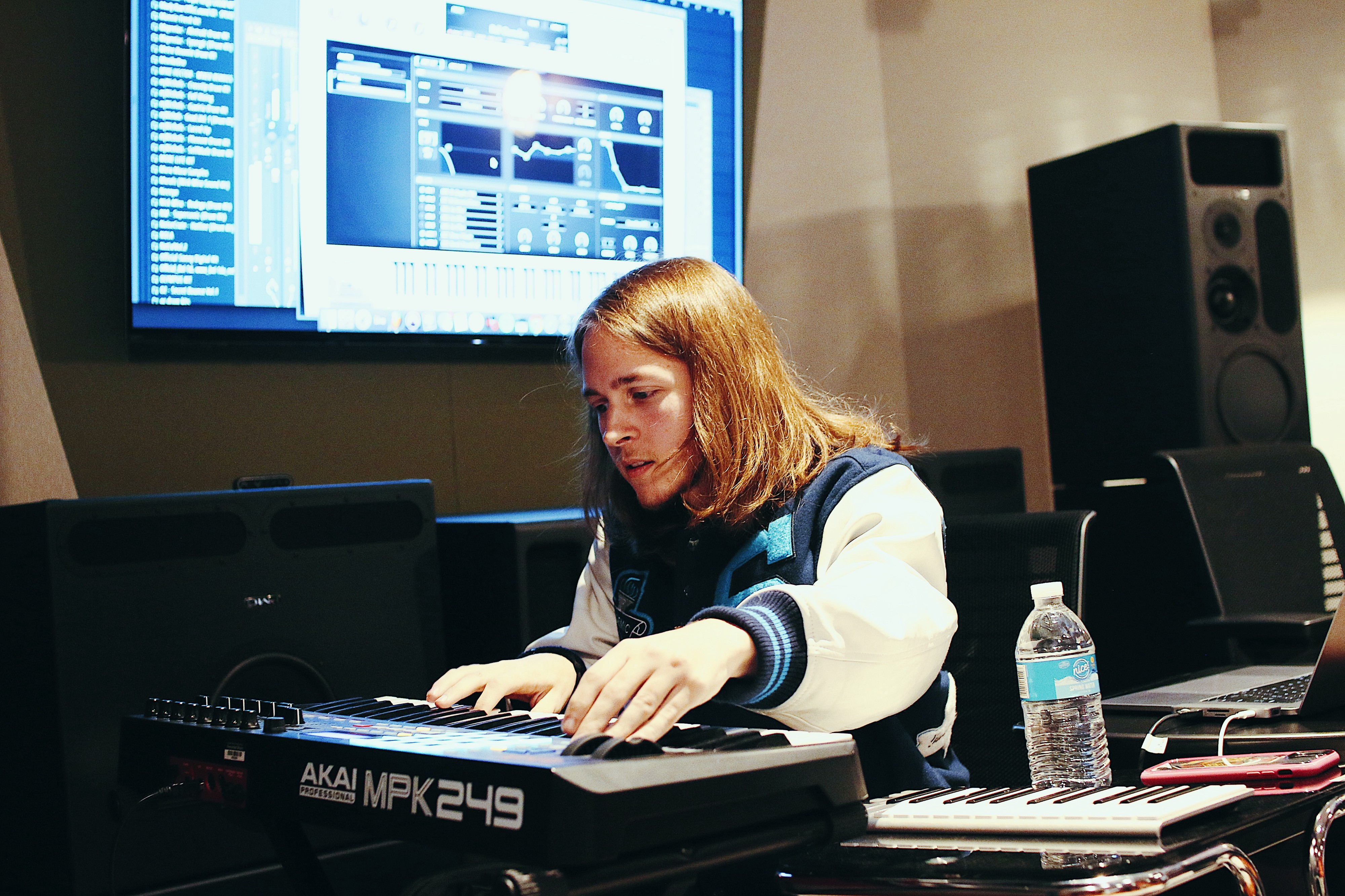 A Hip Hop Hit Maker Breaks Down His Biggest Records For Nyu Students By Chas Gilman Nyu Local