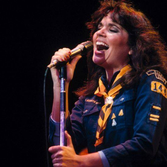 Deep Cuts From Linda Ronstadt That Reveal Her Artistry By The Couch Tamale Medium