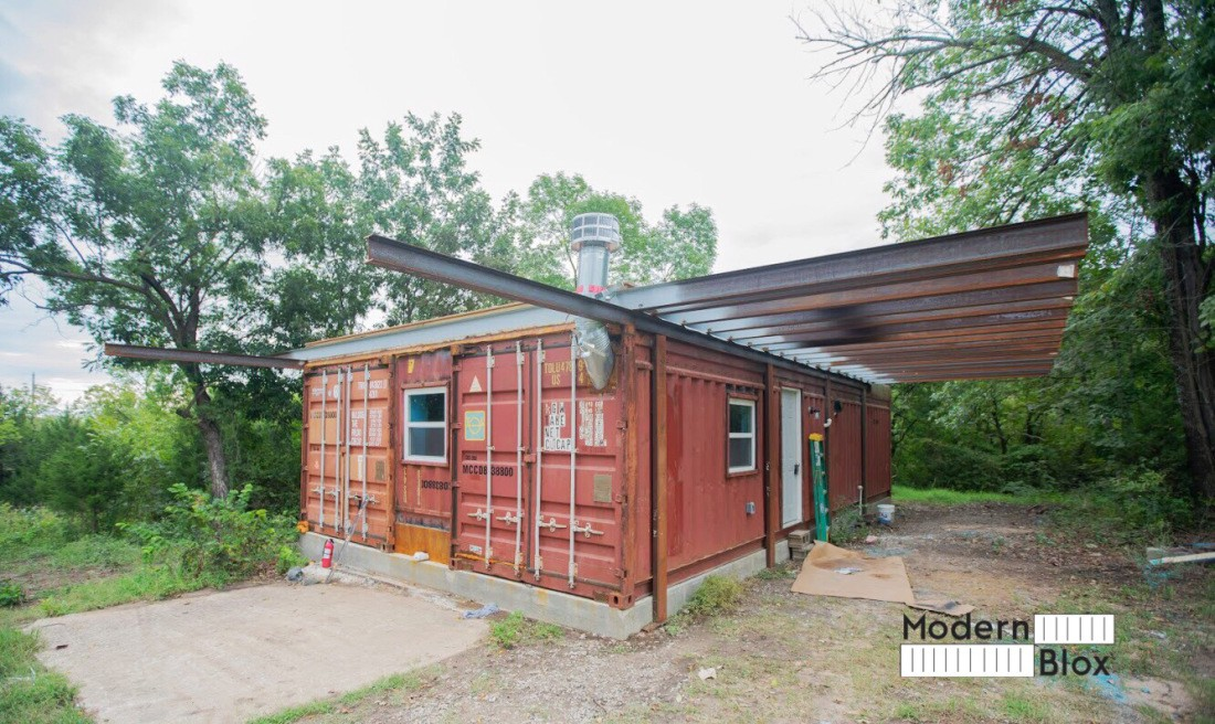 A family built this beautiful Shipping Container Home so