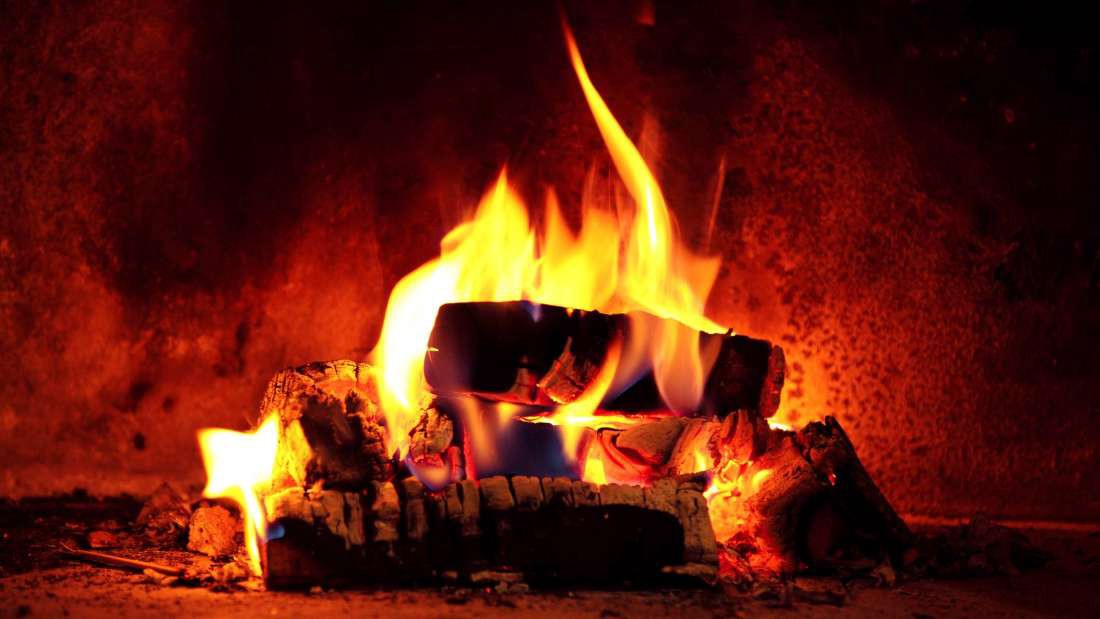 I Watched Every Yule Log Video On Netflix So You Don T Have To By Katie Medium