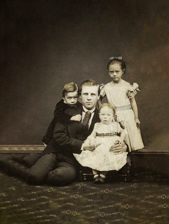 An undated photograph of a family belonging to the victorian era