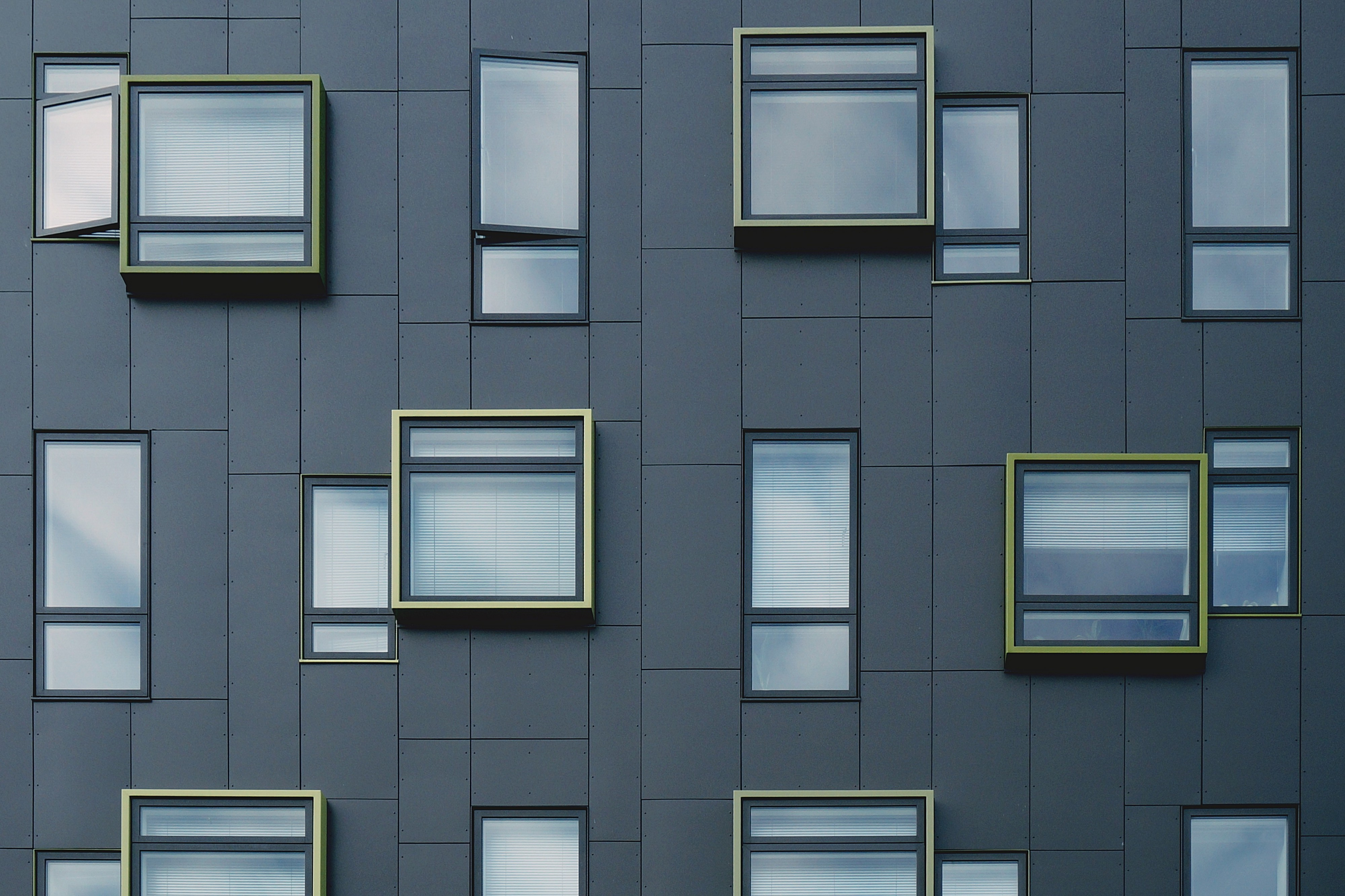 Hi-End aluminium windows — from energy-sink to energy