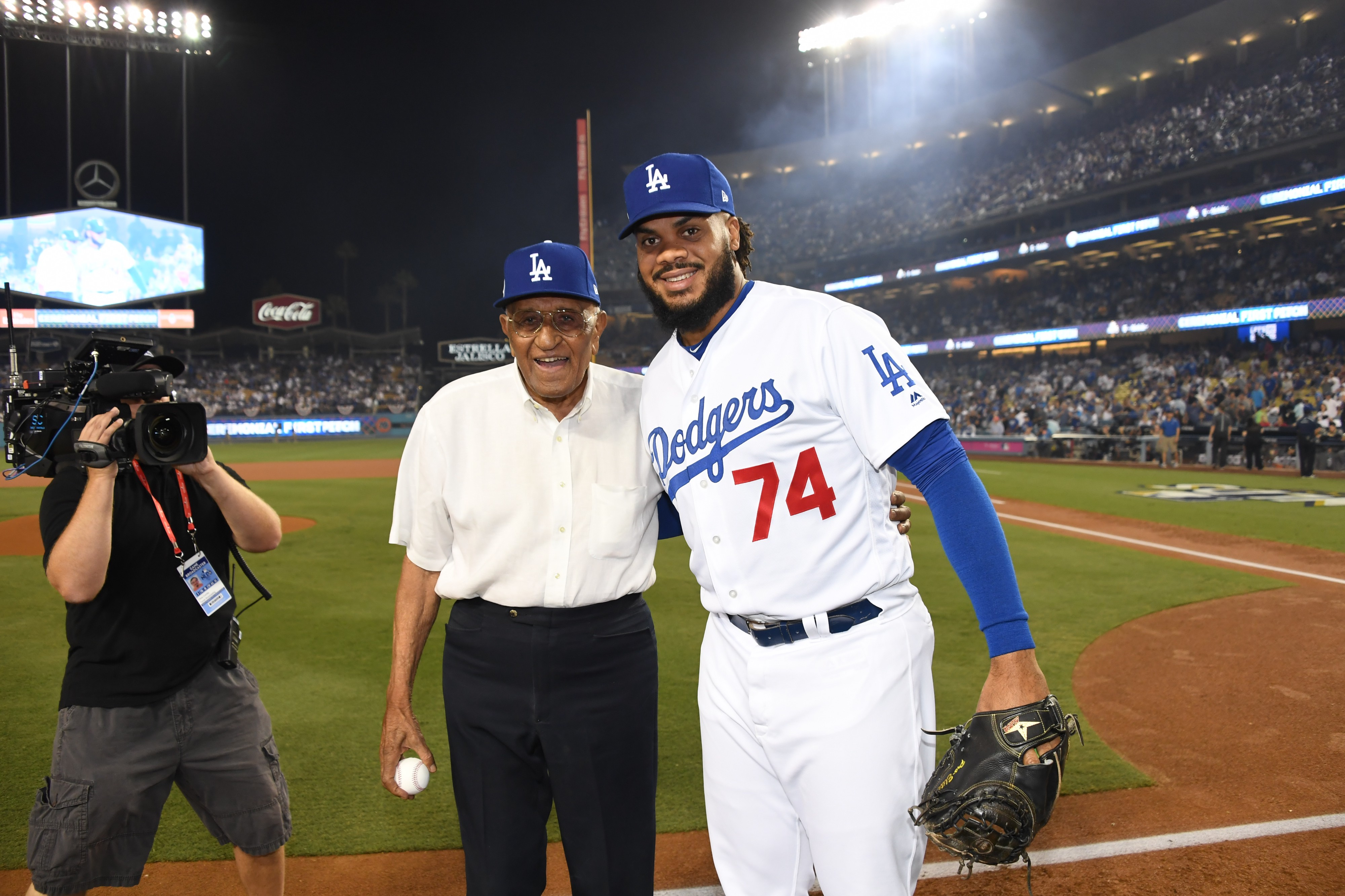 newest collection f781e 7b0c3 Dodgers to wear uniform patch to honor Don Newcombe