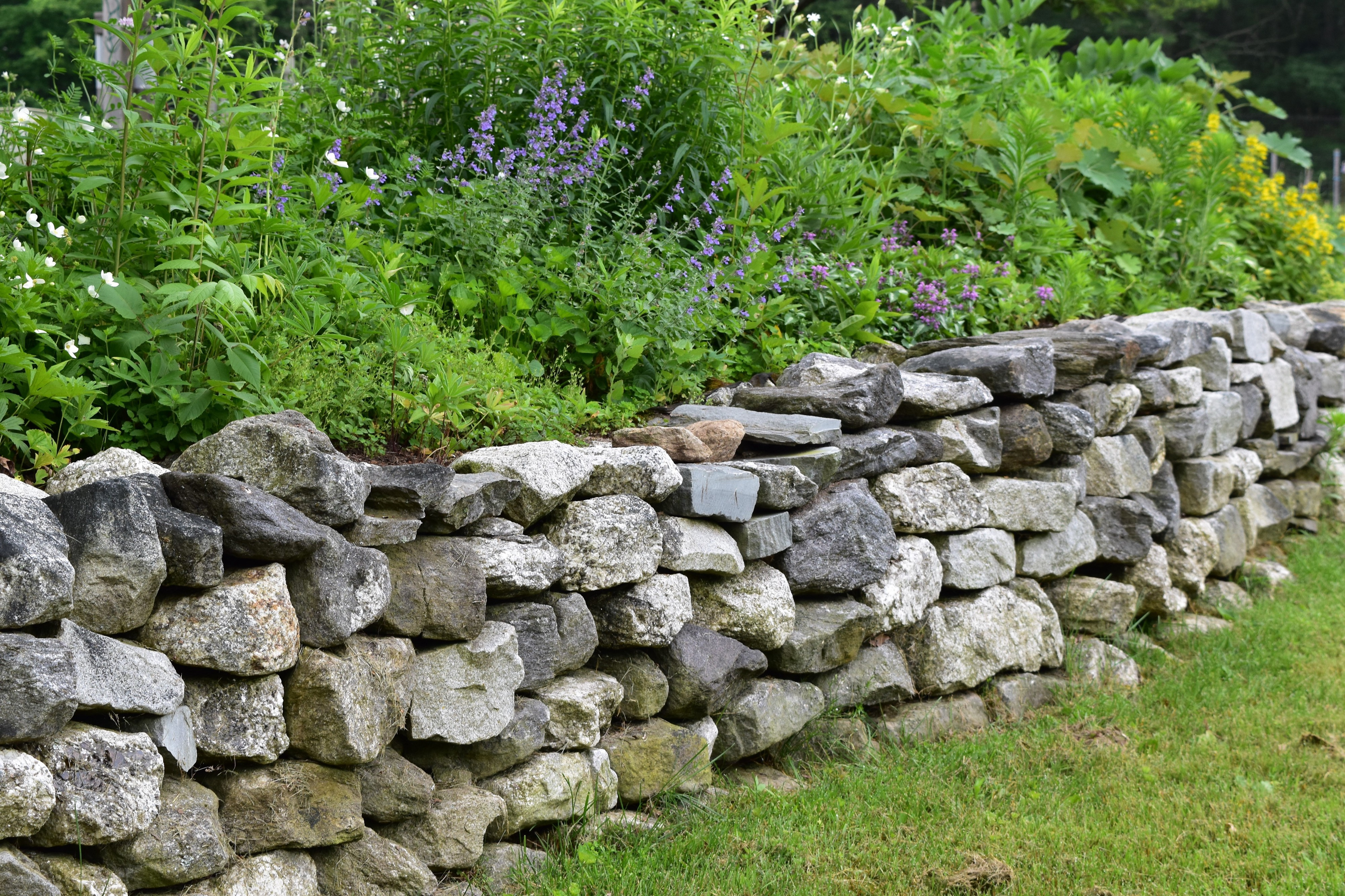The Beauty And Benefit Of Retaining Walls Mellco Landscaping