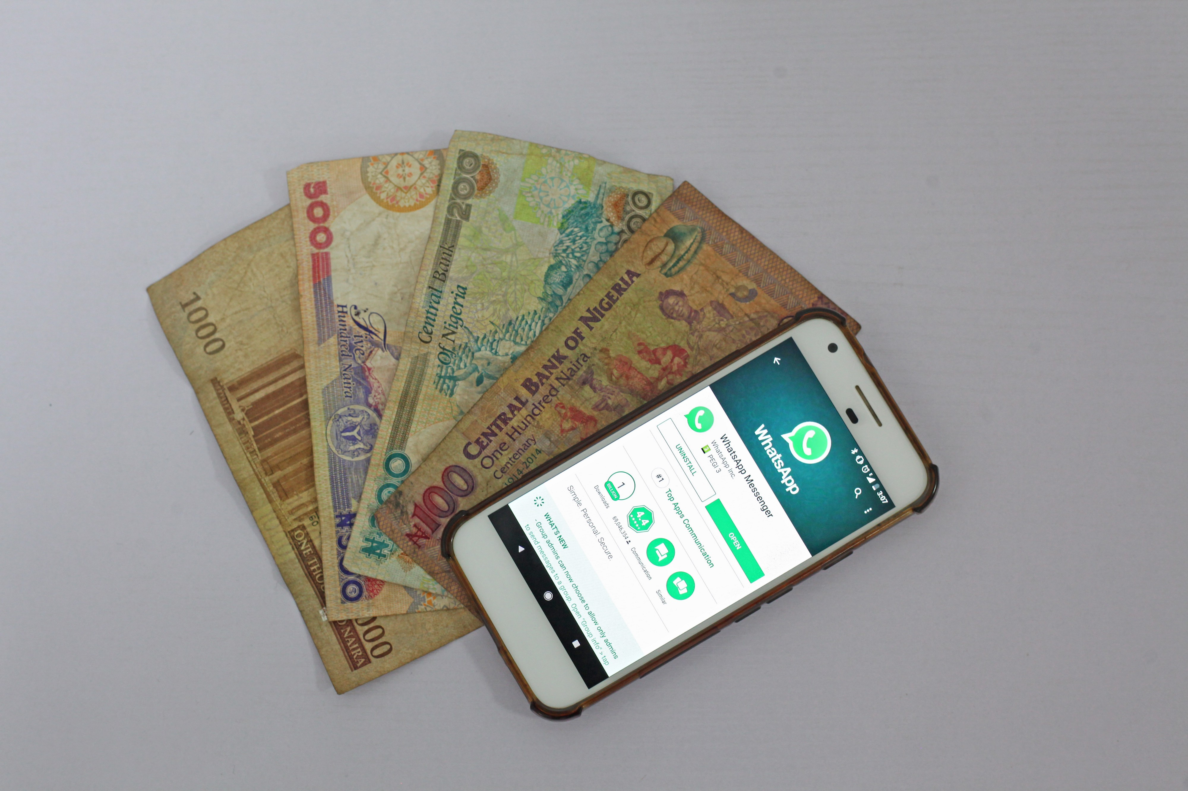 mobile phone apps drive digital banking and e-commerce in Africa