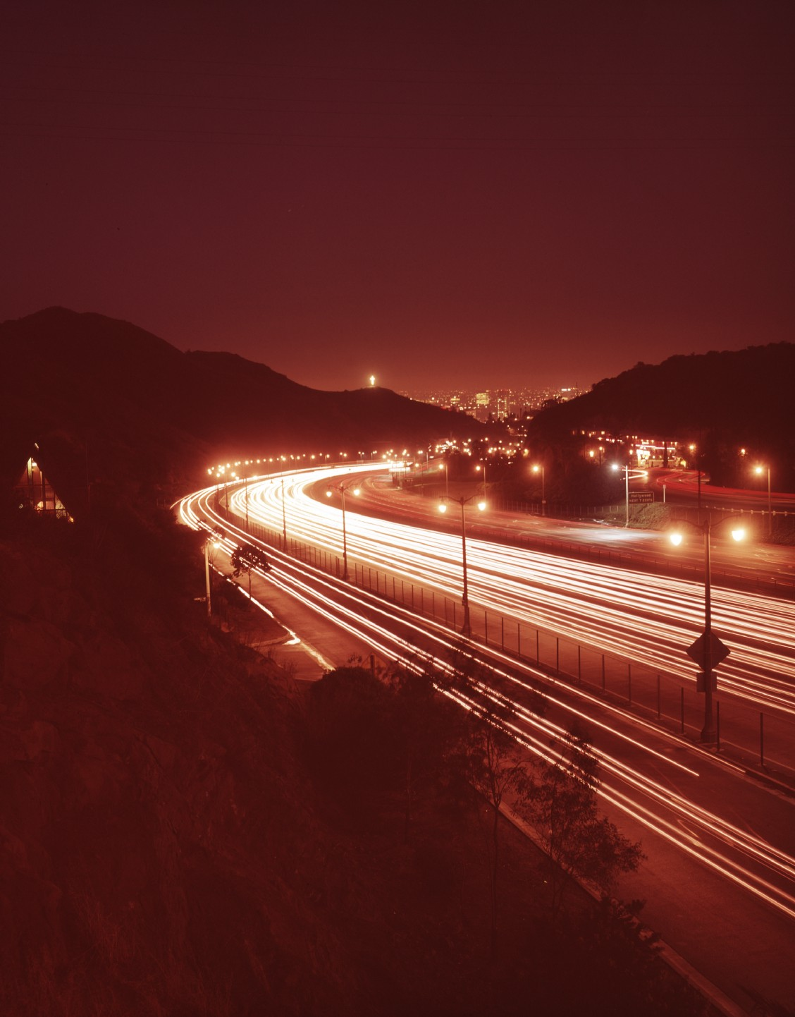 During a 1994 blackout, L A  residents called 911 when they saw the