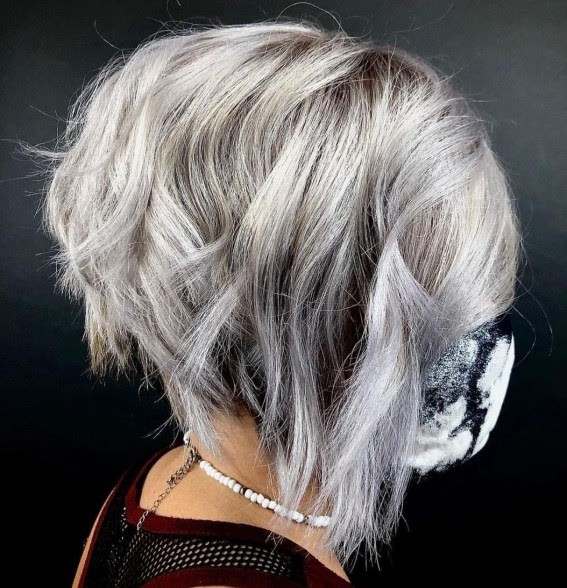 Grey inverted bob with waves