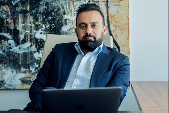 Amer Safaee is all here setting elite benchmarks in the business world
