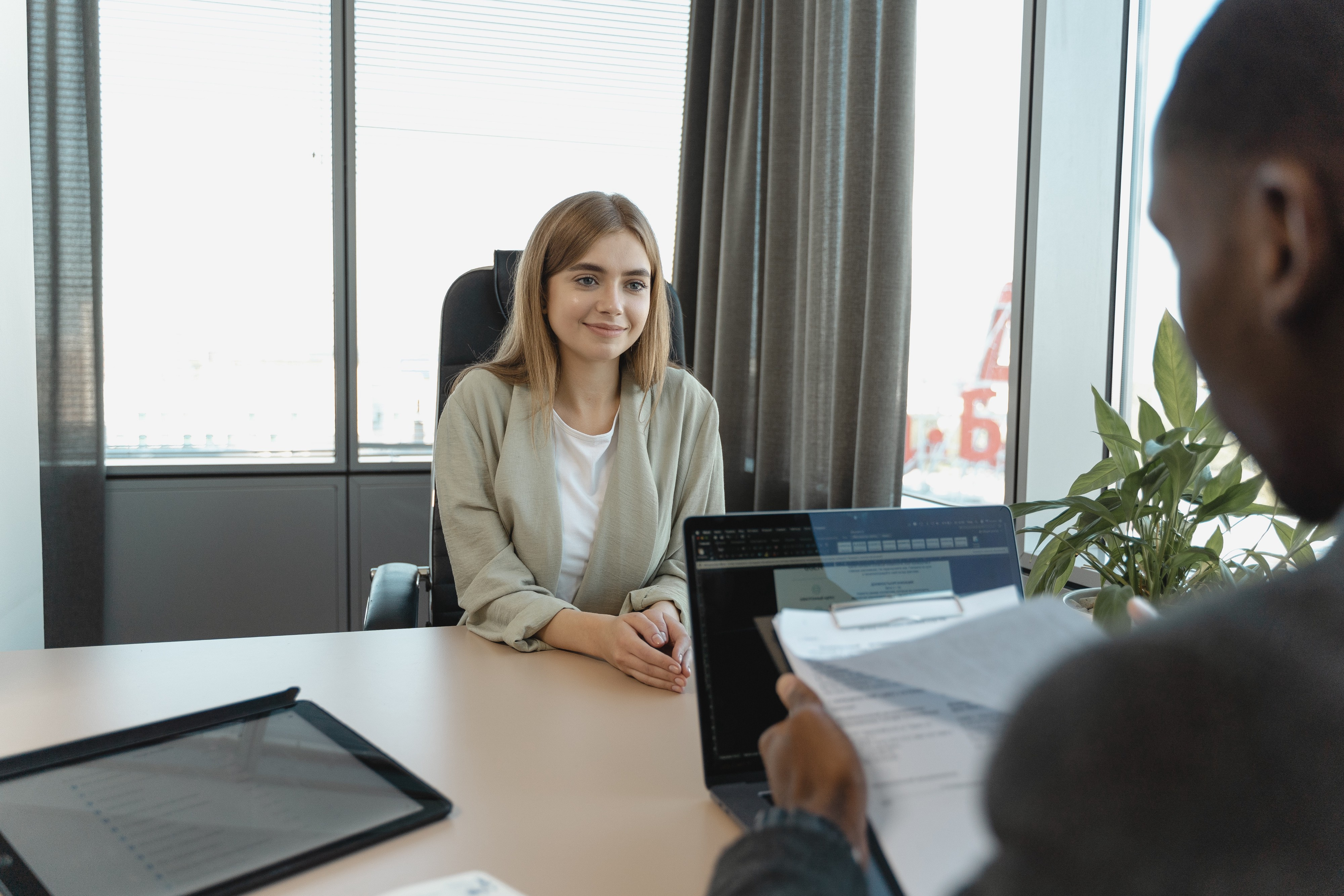best emotional intelligence interview questions for managers and leaders