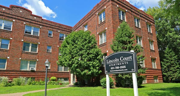 John Dillinger shootout with FBI at the Lincoln Court Apartments in Saint Paul, MN