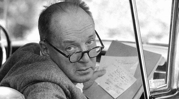 Non-Linear Nabokov: Drop the Index Cards and Publish