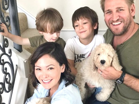Chef Curtis Stone with his wife and kids