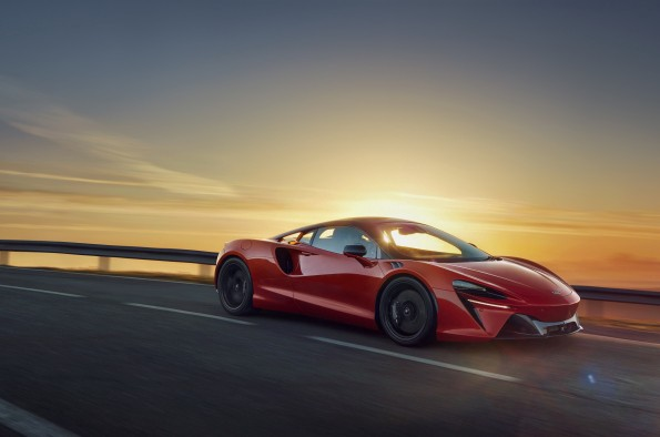 All-new Artura joins McLaren luxury supercar display at the British Motor Show