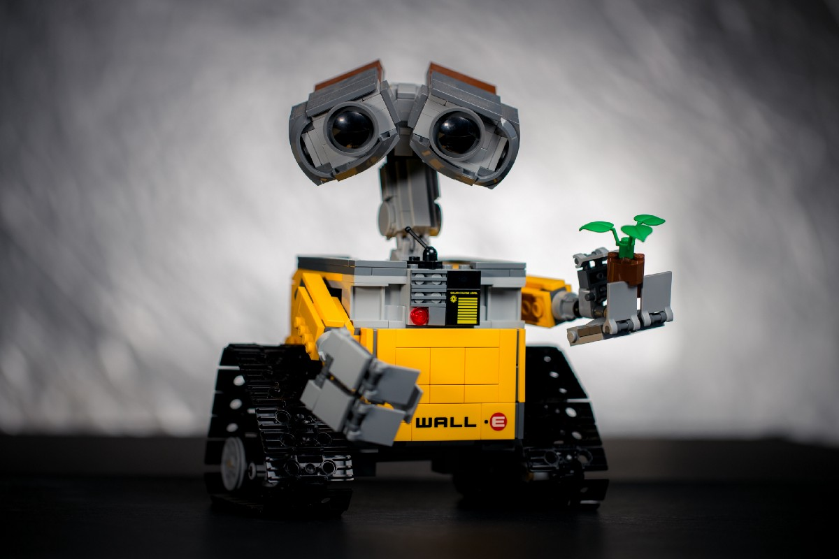 Got $50? Turn Your Phone Into a Programmable Robot