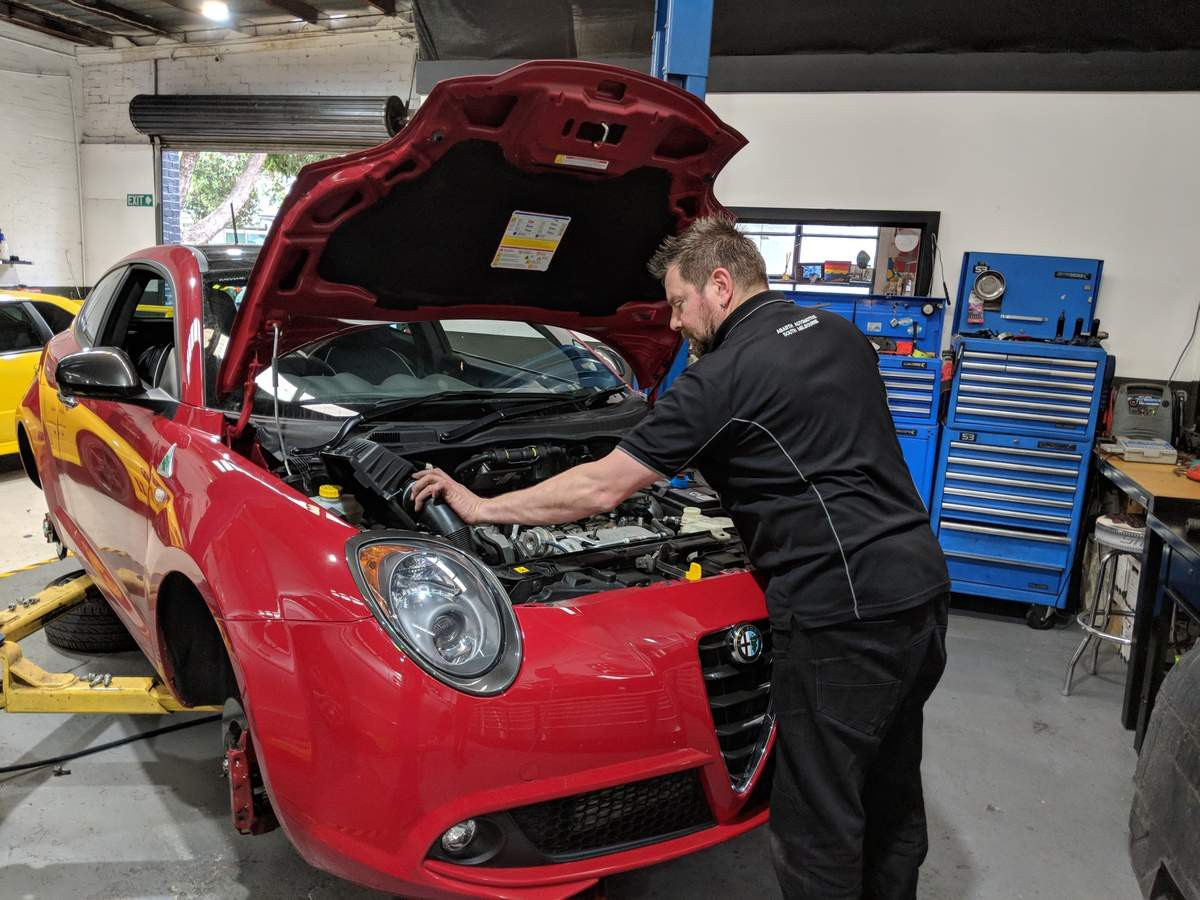 What Are The Common Services Available At The Car Service Centres?