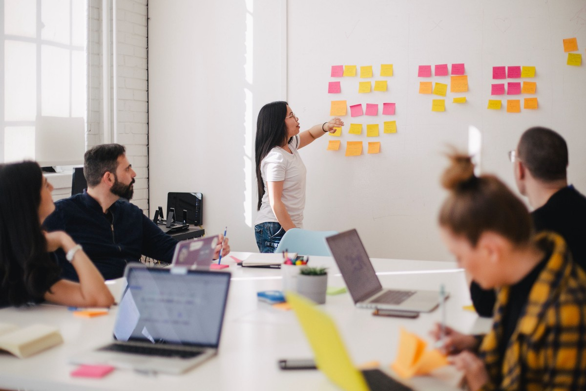 Adopt a Design Thinking Approach to Navigate Uncertainties