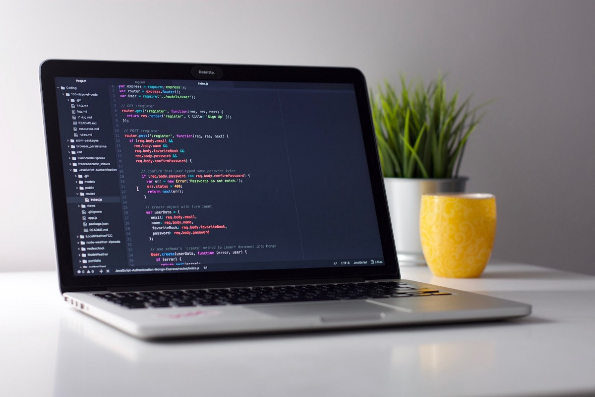How I landed a full stack developer job without a tech degree or work experience
