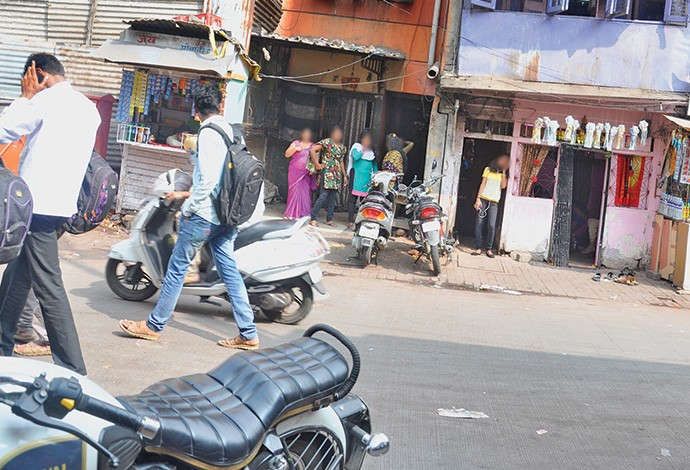 No cash, no customers in Pune red light area - The Golden Sparrow