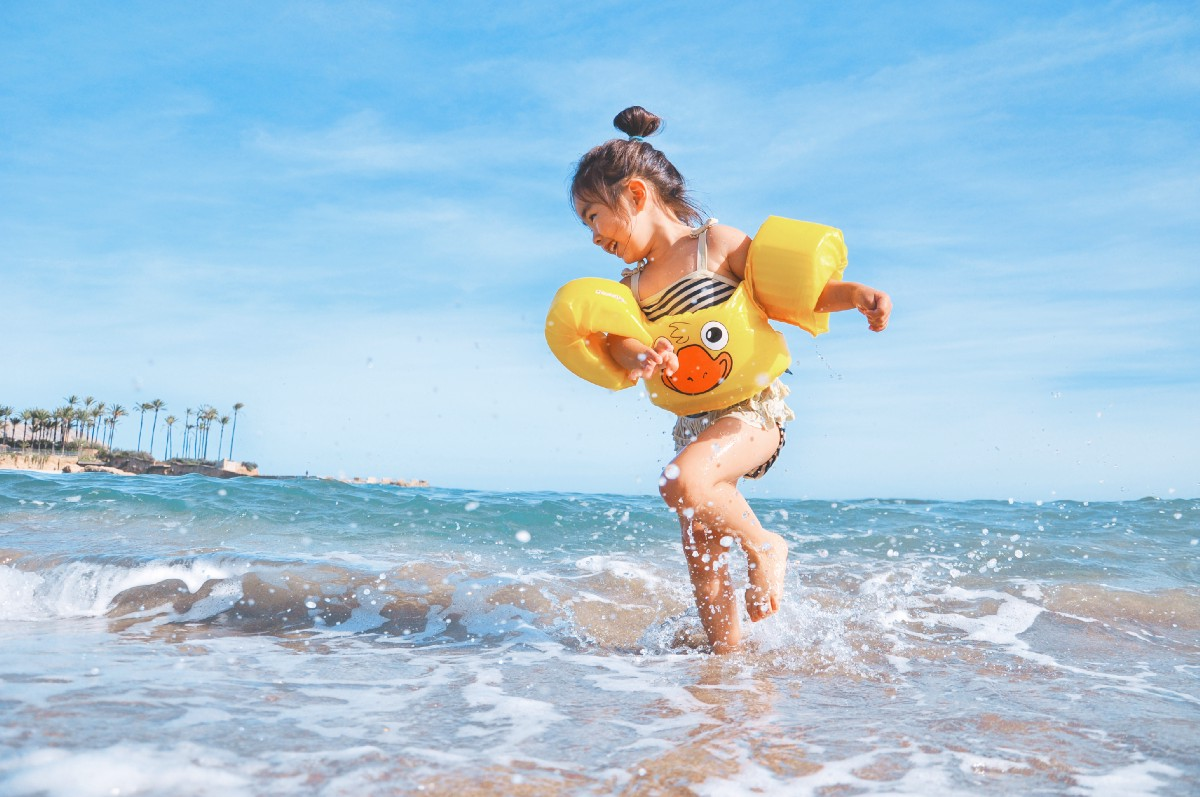 Can You Travel This Summer With Your Unvaccinated Child?
