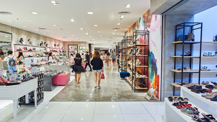 WOMEN THROUGHOUT SOUTHEAST ASIA ONLINE SHOPPING IS UP 40%