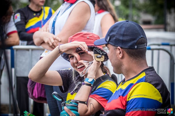 The Archery Champion Girl From Colombian Is Getting Famous On Internet By Ryan Medium Daughter of private and private. archery champion girl from colombian