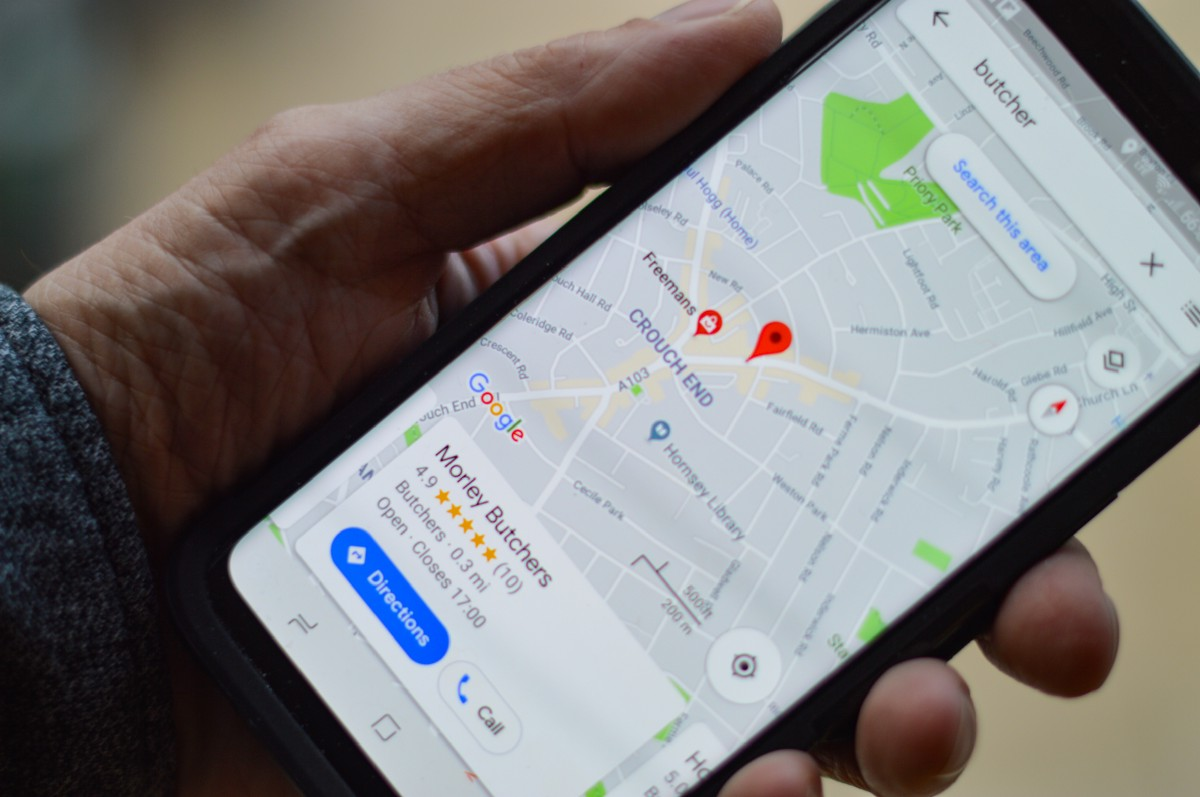 Real-Time Location Tracking Using Google's Fused Location Provider API